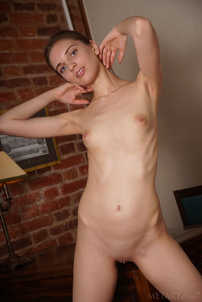 Viviann Artenin Naked XMoviesForYou 1