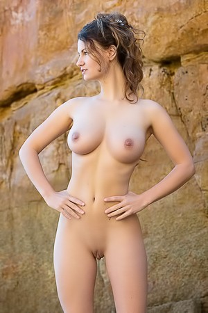 Tall And Busty Beauty Susann Teases Nude