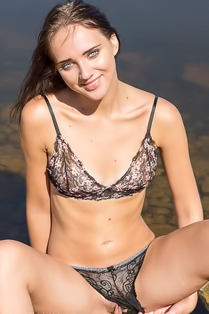 Oxana Chic Take Off Her Black Lingerie Outdoors